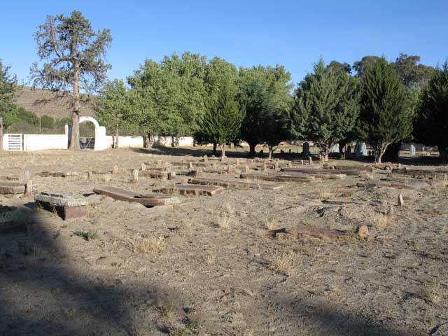 nieu bethesda cemetery
